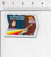 Magnet Le Gaulois Inventions 1665 Découverte La Réfraction De La Lumière ( Père Francesco Maria Grimaldi ? ) Mag14 - Magnets