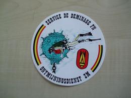 Autocollant Ancien  SERVICE DE DEMINAGE FN - Other