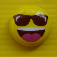 Fève  - Casino 2019 - Smiley Jaune Lunettes - Emotionz4U Artfun Inscrit Au Dos - Altri