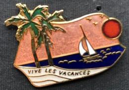 VIVE LES VACANCES - PALMIERS - MER - SEA - SOLEIL ROUGE - RED SUN - BATEAU - VOILIER - PLAGE - SABLE -      (27) - Other