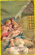 Trois Petits ANGES Sur Nuages Blancs Devant Fenêtre - NOEL - Gaufrée, Relief - Anges