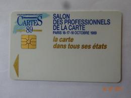 CARTE A PUCE CHIP CARD CARTE DE SALON DES PROFESSIONNELS DE LA CARTE A PARIS 1989 GEMPLUS - Tarjetas De Salones Y Demostraciones