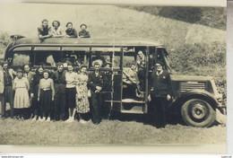 RT33.817  PHOTO  REPRO   D'UN GROS AUTOCAR ET PASSAGERS - Bus & Autocars