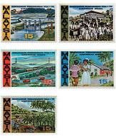 Ref. 55775 * MNH * - MALAYSIA. 1966. DEVELOPMENT FIVE YEAR PLAN . PLAN QUINQUENAL DE DESARROLLO - Coches