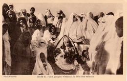 Maroc - Une Poupée Vivante à La Fête Des Enfants  - Photographe Flandrin - Cpa Vierge - Très Bon état - Gruppi Di Bambini & Famiglie