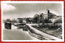 FLEURVILLE -Saône Et Loire-  Le Port -Villa De M.P.D- Cpsm 9 X 14- - Sonstige Gemeinden