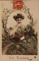 CPA Le Baiser (ca 857) - Mujeres