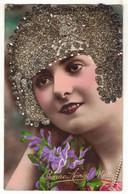FANTAISIE FEMME FRAU LADY VROUW : KETTY N° 841 FEMMES AVEC COIFFE IMPOSANTE EN PAILLETTES STRASS DIAMANTS ARGENTES - Mujeres