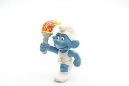 Smurfs ADVERTISING Nr 203 - Torch Bearer Belgium Olympia Emblem (no Color Rare) *** - Stroumph - Smurf - Schleich - Peyo - Smurfs