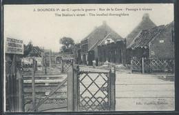 CPA 62 - Dourges, Rue De La Gare - Passage à Niveau - Andere Gemeenten