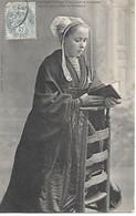 A/ 341       29        Saint-thégonnec        Jeune Fille à La Messe - Autres Communes