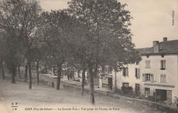 GIAT - La Grande Rue - Vue Prise Du Champ De Foire - Sonstige Gemeinden