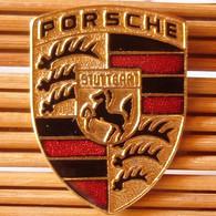 Joli Pin's Gros Logo Porsche (GM) 3,5 Cm, émail Grand Feu, TBQ, Pins Pin. - Porsche