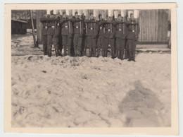 (F15833) Orig. Foto RAD-Lager 6/371 Lindenau / Sudeten, Männer M. Spaten 1943 - Guerra, Militari