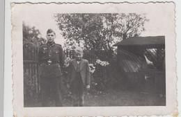 (F15848) Orig. Foto Mann In Deutscher Uniform, Meißen 1943 - Guerra, Militari