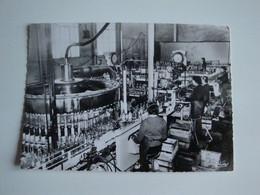 03 Laprugne,intérieur De L'usine Et Mise En Bouteille Source Charrier Exploitée Jusqu'en 1998 - Otros Municipios