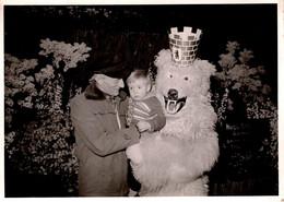 Photo Originale Eisbär, Déguisement D'Ours Blanc Polaire à La Couronne & Enfant Vers 1950/60 - Anonymous Persons