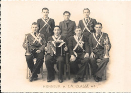 Belle Photo Du Studio ROBILLARD , Rue De La Gare MONTCHANIN - Honneur à La Classe 44 - Guerra, Militari