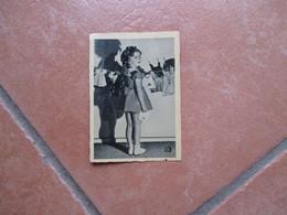 Figurina EPOCA Movie CINEMA Shirley TEMPLE N.12 Il Laborioso Bucato Per Le Bambole Produzione Casa 20 Th Century Fox - Zonder Classificatie