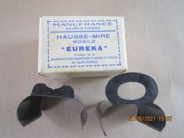 Ancienne Boîte Contenant Deux Hausses Mire Pour Fusil De Chasse Juxtaposé, Cal 12 - Equipement