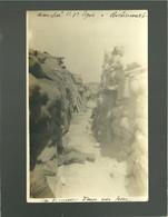 Tranchée De 1e Ligne à Roclincourt Carte Photo , Militaires Guerre 14-18 Un Dormeur Dans Un Trou - War 1914-18