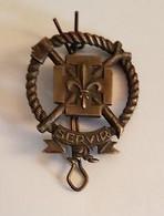 Insigne Scoutisme - Scout - Servir - Diamètre : 3,5 Cm - Voir Scans - Scoutisme