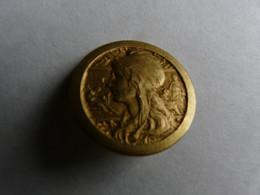 BROCHE ANCIENNE EN BRONZE DORE  - SIGNE M. PAUTOT - Autres