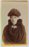 CDV Photographie Ancienne Portrait Jeune Garçon Béret Cape Photographe E. Van Blitz Berck Plage - Anonymous Persons