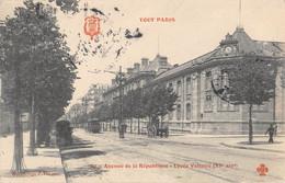 CPA 75 PARIS XIe TOUT PARIS AVENUE DE LA REPUBLIQUE LYCEE VOLTAIRE - Arrondissement: 11
