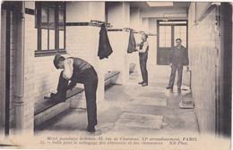 Paris : Hôtel Populaire Hommes : Salle Pour Le Nettoyage Des Vêtement Et Des Chaussures : XIe Arrondissement - Paris - Arrondissement: 11