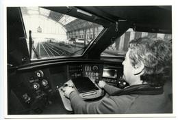 A Bord Du TGV En Gare De St Jean - Photographie Jean-Louis Nespoulous - Voir Scan - Bordeaux