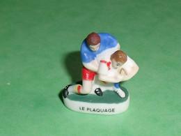 "Fèves / Fève / Sports : Rugby , Le Plaquage  "" Mat ""   T26 - Sport"