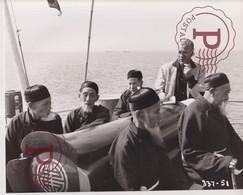 FERRY TO HONG KONG CINE. 24X19CM - Beroemde Personen