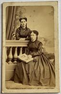 CDV. Portrait De Deux Femmes. Photographe Provost. Toulouse. France. - Oud (voor 1900)