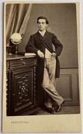 CDV. Portrait D'un Homme. Antonin Sauzède. Photographe Provost. Toulouse. France. - Oud (voor 1900)