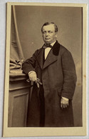 CDV. Portrait D'un Homme. Photographe Molas. Toulouse. France. - Oud (voor 1900)