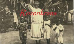 Belgisch Congo Belge Groupe De Procession Natives Bekeerlingen Colonialism Missions De Missie Van Scheut CPA RARE Africa - Belgian Congo - Other