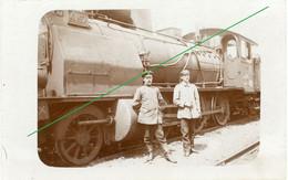 14-18.WWI - Carte Photo Allemande - Soldaten Lokomotive Feldbahn - Guerre 1914-18