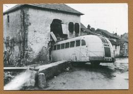 """ANDELOT  (52)  : """" MARCHAND COLPORTEUR - Jean ROBIN - ACCIDENT Du BUS Des FORGES De BOLOGNE - HIVER 1957 """" - Andelot Blancheville"""