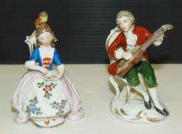 2 SUJETS PERSONNAGES PORCELAINE CAPODIMONTE MUSICIEN Objet De Vitrine XIXe Déco Collection Miniatures - Capodimonte (ITA)