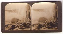 Stéréo 104, HC White CO 0364, Niagara Falls, Below The Horseshoe Falls In The Winter - Stereoscopic