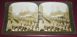 Stéréo 023, HC White CO 8247, The Procession Leaving Westminster Abbey,, Bon état - Stereoscopic