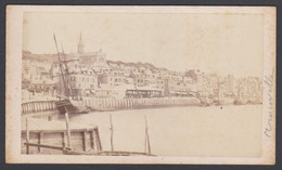Photo Cdv Albumine C.1860 TROUVILLE Vue Vers Le Quai Navire Voilier église - TBE - Normandie - Old (before 1900)