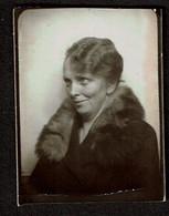 Photo Originale - Photobooth - Photo Identité - Photomaton - Dame - Col En Fourrure - Voir Scan - Anonyme Personen