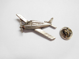 Beau Pin's Pins En Relief , Aviation Avion - Airplanes