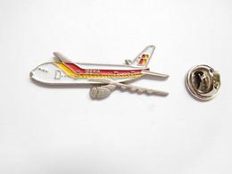 Beau Pin's Pins En Relief , Aviation , Avion , Compagnie Iberia - Aerei