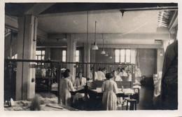 Métier-Photo Noir Et Blanc -Atelier De Repassage D'une  Blanchisserie 1928-Femmes Au Travail - Berufe