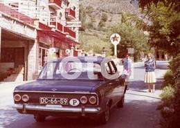 1966 ORIGINAL AMATEUR PHOTO FOTO ANDORRA ANDORRE CALTEX PETROL STATION GARAGE OPEL REKORD - Lieux