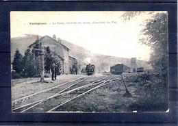 43. Yssingeaux. La Gare. Arrivée Du Train, Direction Du Puy - Yssingeaux