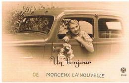 40 UN BONJOUR  DE MORCENX LA NOUVELLE    CPM  TBE  548 - Morcenx